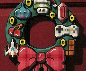 8-Bit Holiday Wreath