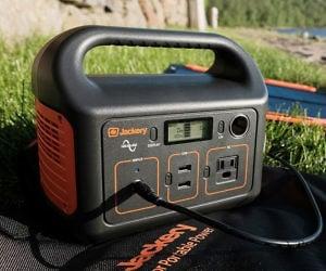 Jackery 240Wh Portable Pow...