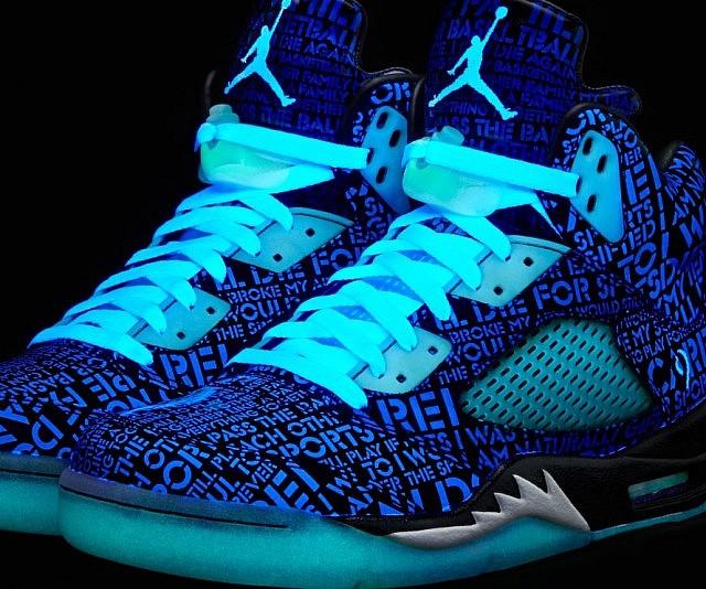 air jordan shoes glow in the dark