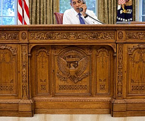 Replica Oval Office Desk