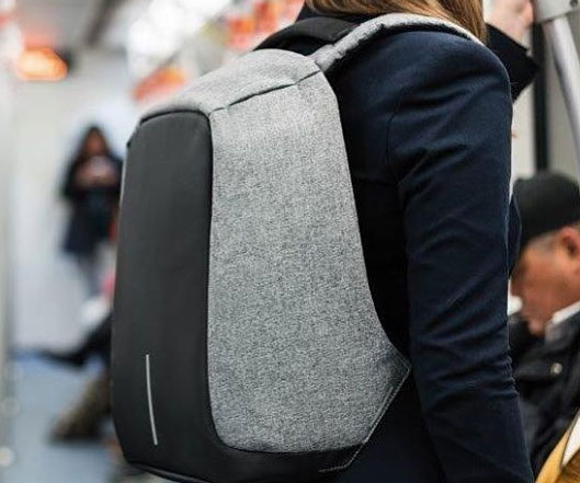 The Anti-Theft Backpack - coolthings.us