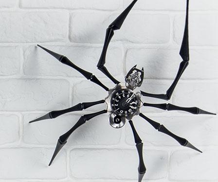 Giant Spider Clock