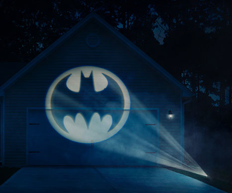 Batlight Shines On Line For Dark Knight >> Batman Bat Signal Projector