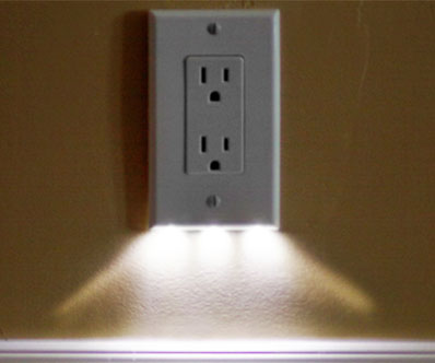 Automatic Illuminated Outlet Cover