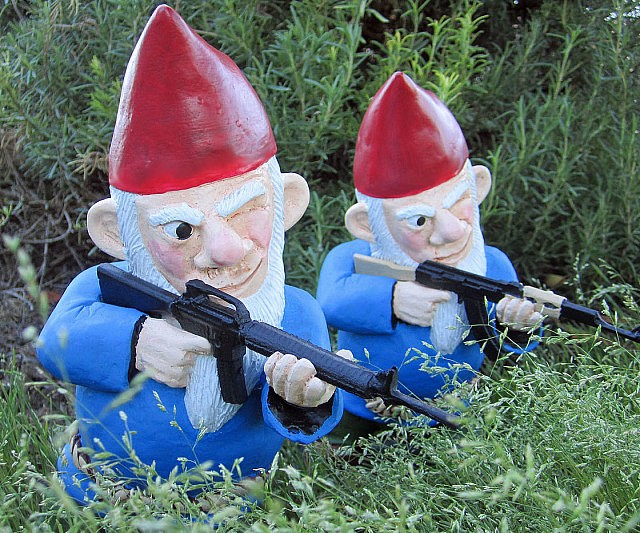 combat lawn gnomes - Garden Gnomes For Sale