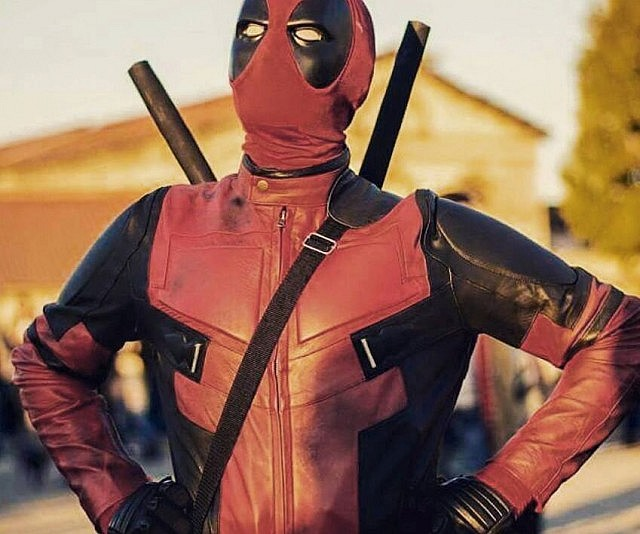 Deadpool replica motorcycle suit solutioingenieria