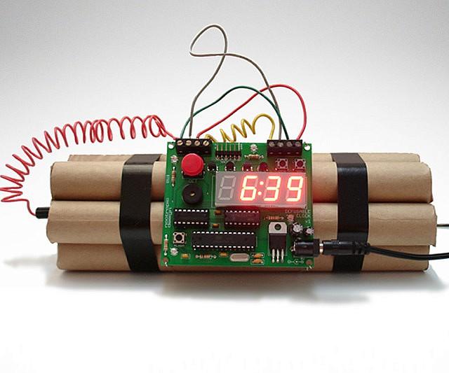 fake bomb clock