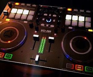 Professional DJ MIDI Controller