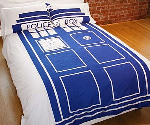 Ideal Doctor Who TARDIS Duvet