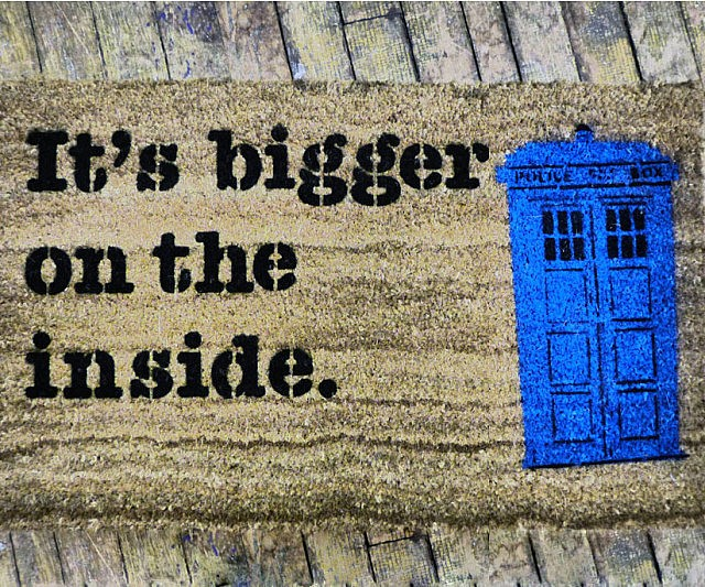 doctor-who-tardis-doormat-640x533.jpg
