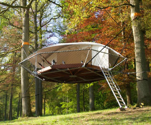 The Suspended Treehouse & Treehouse Tent