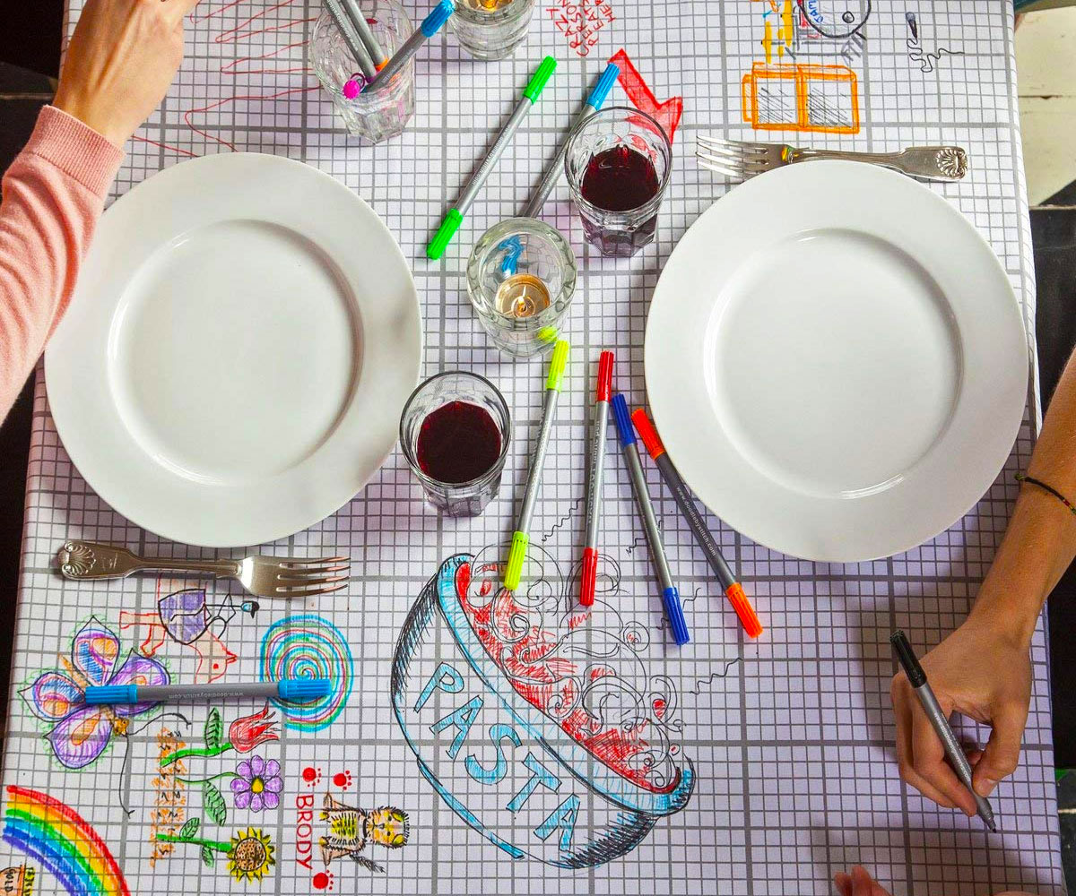 Washable Draw-On Tablecloth