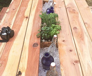 Planter & Drink Cooler Picnic Table