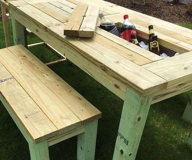 Drink cooler picnic table Picnic table with cooler plans