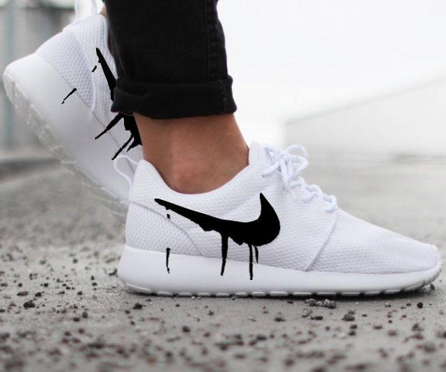 Drip Swoosh Nike Roshe Sneakers