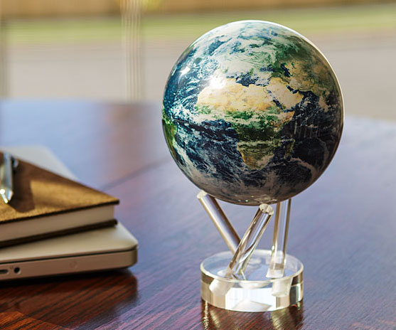 Earth Spinning Globe