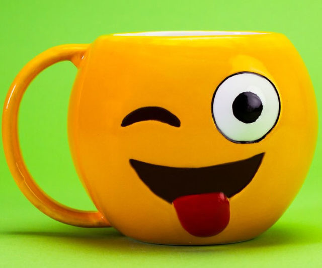 Emoji Mug Love Coffee Drink Warm Gift Cup Beverage Holder Hot Heart Eyes Face
