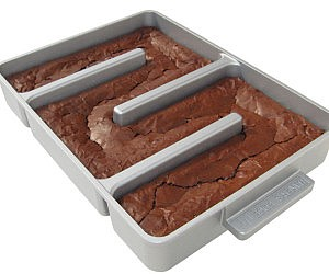 Unlimited Edges Brownie Pan