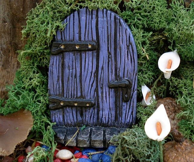 Tiny fairy doors for Fairy doors images