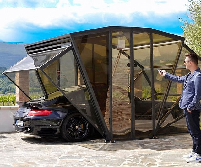 Car garage what an epic car garage plus amg beast for Garage auto plus herblay