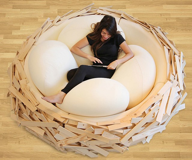 Giant Bird's Nest Bed