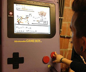 Giant Game Boy Emulator
