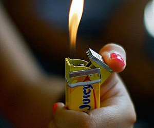 Pack Of Chewing Gum Lighter