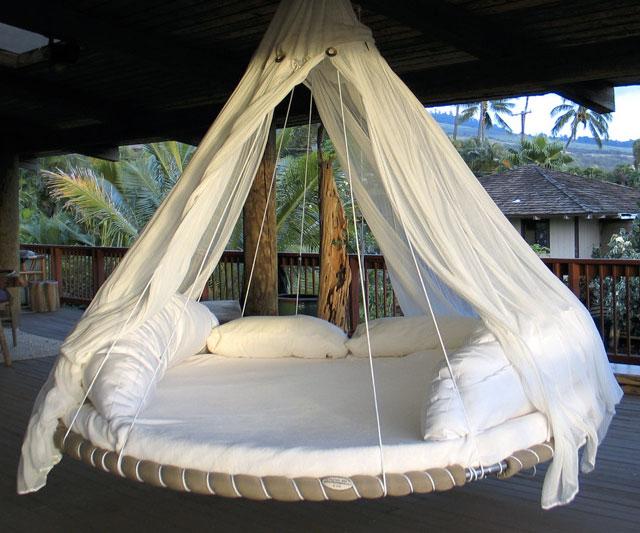 Hanging Trampoline Bed