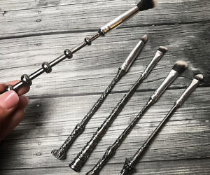 Harry potter wand makeup brushes for Most powerful wand in harry potter