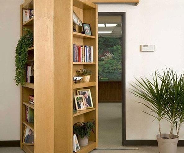 Secret Bookshelf Passageway