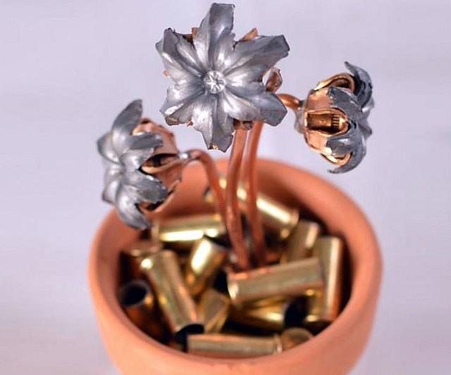 hollow-point-bullet-flower-pot-640x533.j