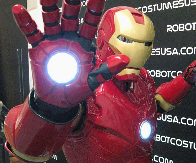 & Deluxe Iron Man Costume
