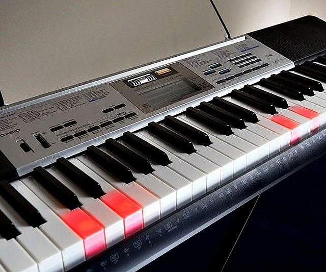 Light Up Learn To Play Keyboard