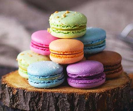 Gourmet Parisian Rainbow Macarons