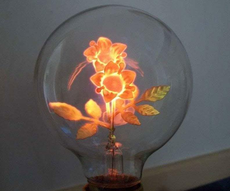 Light Bulb Flower Lamp