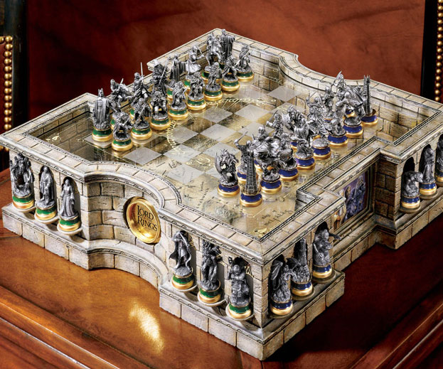 Lord Of The Rings Chess Set - coolthings.us