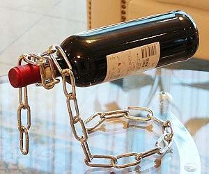 Metal Chain Wine Stand