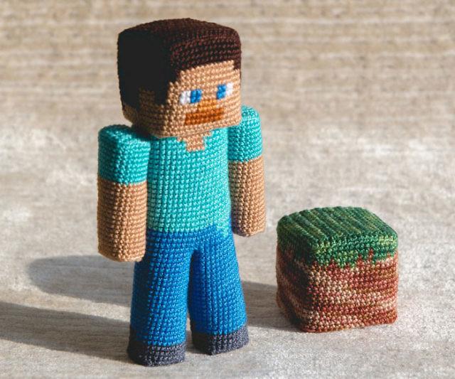 Geek Amigurumi Pattern : Supernatural crochet pillow from a pattern from hells half