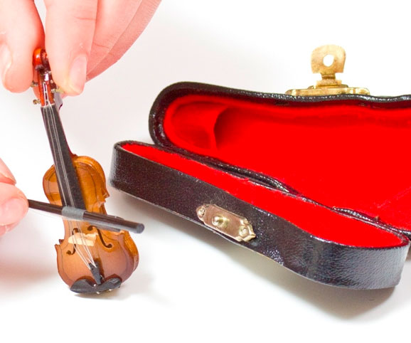 World's Tiniest Violin - coolthings.us