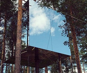 mirror cube treehouse rental