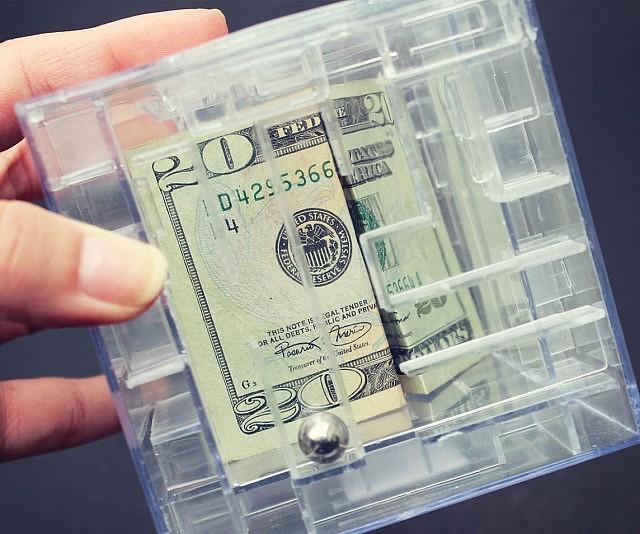 Money Maze Bank