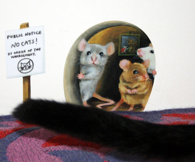 Simple Scaredy Mice Mousehole Wall Sticker