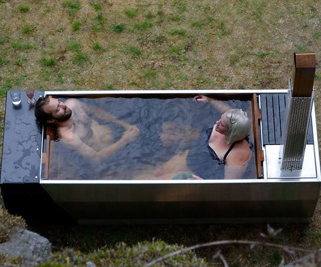 how to keep mosquitoes away from a hot tub