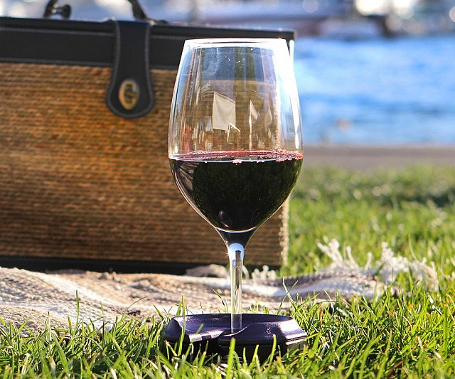 Outdoor Wine Table And Gl Holder With Bottle Cooler Stake