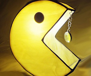 Pac-Man Stained Glass Lamp