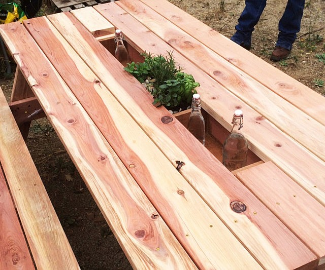 Planter U0026 Drink Cooler Picnic Table