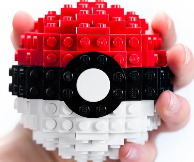 Pokeball Lego Set