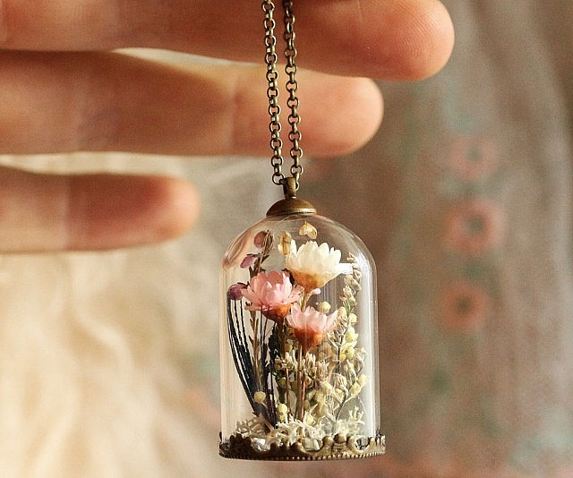 gorgeous youtube flower pendant watch