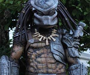 : alien and predator costumes  - Germanpascual.Com