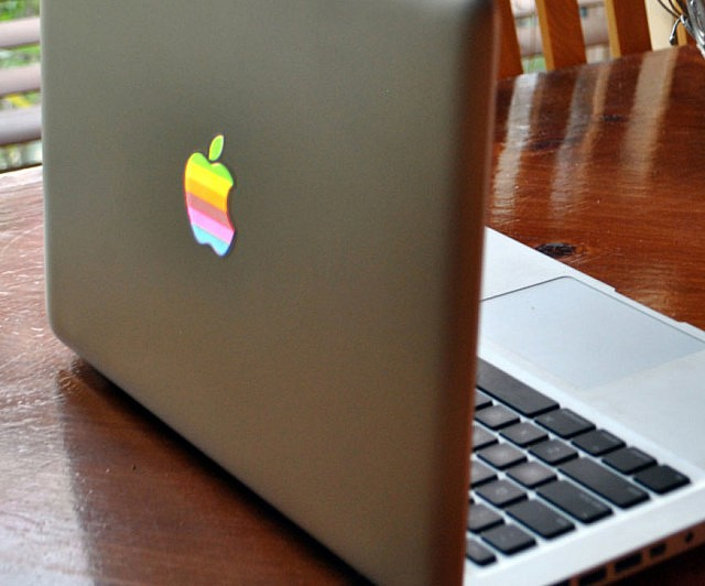 Retro apple macbook sticker
